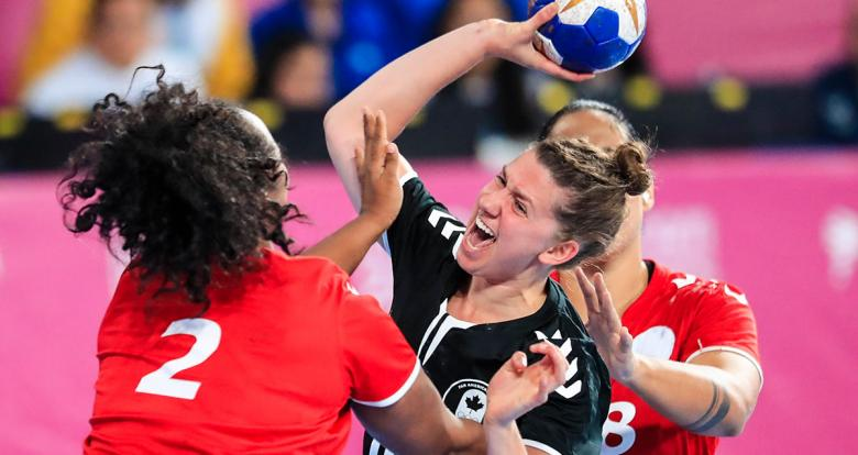 Catherine Léger of Canada challenge for the ball - Women's handball