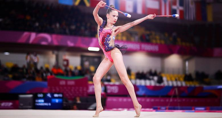Gymnast Sol Fainberg competing in Lima 2019 to take home a medal at the Villa El Salvador Sports Center