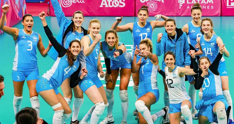 Argentina beat Brazil 3 to 0 in the Lima 2019 volleyball competition held at the Callao Regional Sports Village and qualified to the women's semifinals