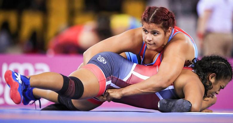 Cuban Mabelkis Capote and Peruvian Diana Cruz during Lima 2019 freestyle wrestling competition at the Callao Regional Sports Village.
