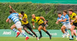 Brazil chases Argentina for the rugby ball